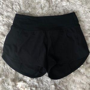 Lululemon NWOT black Speed Up Shorts size 4